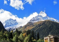 Домбай — престижный горный курорт Кавказа (Россия)