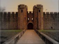 Замок Каэрфили (Cardiff Castle) – мощнейшая крепость Уэльса