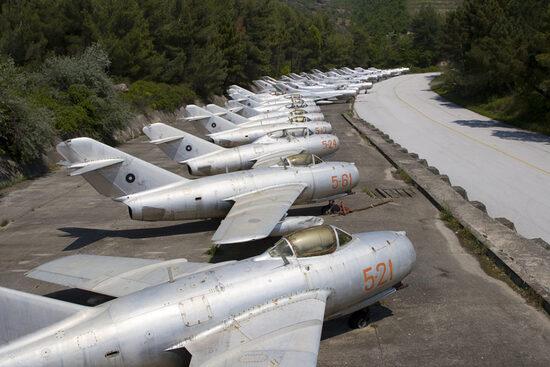 Заброшенная албанская авиабаза советских МиГов