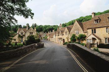 Касл Комб — самая красивая деревня в Англии