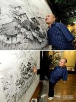 Художник инвалид создает невероятные произведения, используя только рот и правую ногу