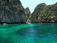 Райские острова-близнецы Пхи-Пхи в Андаманском море (Phi Phi Islands)