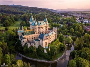 Величие Бойницкого замка в Словакии
