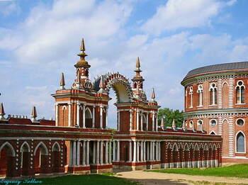 Царицыно – удивительный дворцово-парковый ансамбль