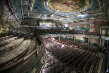 Заброшенный театр Орфеум в Нью-Бедфорд в США